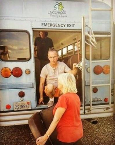 Otobüsü muhteşem bir eve çevirdiler!