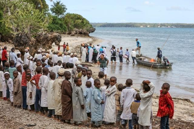 Diyanet Vakfı Zanzibar'a Teknelerle Kurban Eti Ulaştırdı