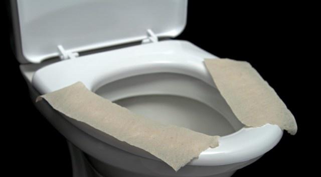 Klozete tuvalet kağıdı serip oturuyorsanız dikkat!