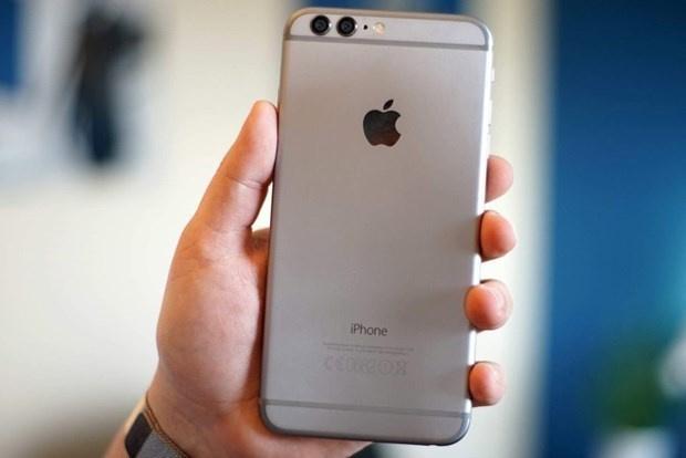 ABD merkezli teknoloji devi Apple#039;ın henüz tanıtmadığı iPhone modeli iPhone 8#039;e ait olduğu iddia edilen görseller sızdı.