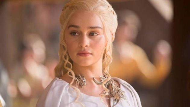 Emilia Clarke'ı kıskanmamız için 10 neden