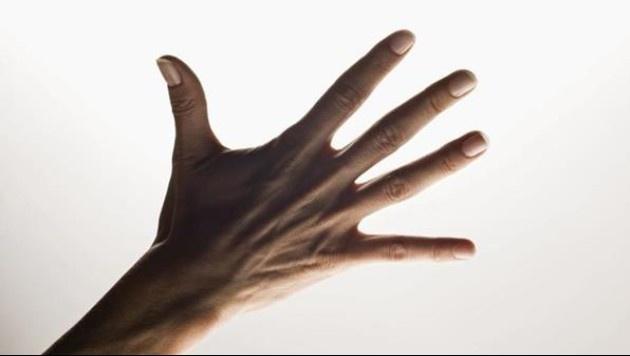 Parmaklarınızı tutarak bulabileceğiniz 5 derde deva