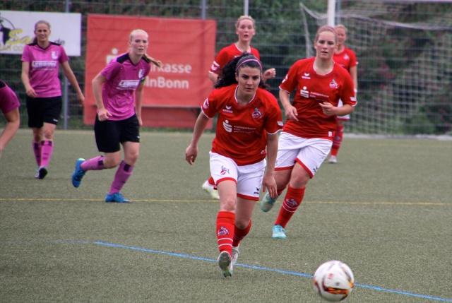 Kadın milli futbolcu Bilgin Defterli Jübilesini Yaptı