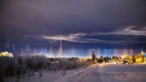 Gökyüzünde Muhteşem Işık Direkleri