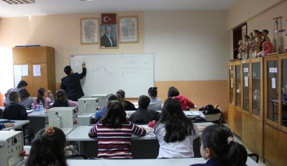 Ek Dersin Kesilmesi Öğretmenleri Üzüyor