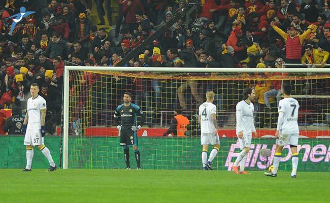 Fenerbahçe'ye Kayseri'de Ağır Darbe