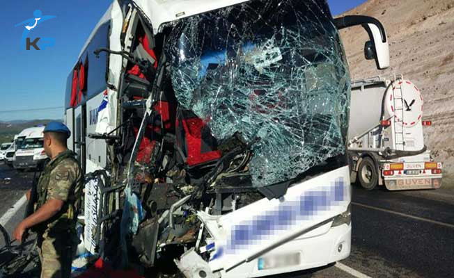 Bir Yolcu Otobüsü Kazası Daha ! Ölü ve Çok Sayıda Yaralı Var