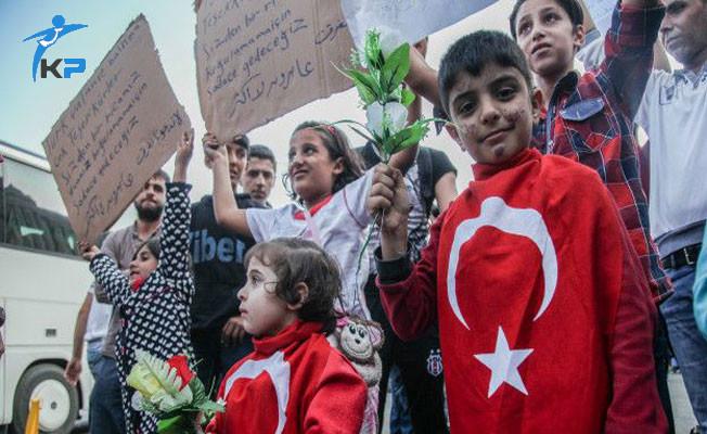 Devlet Suriye'li Mültecilere Maaş Veriyor Mu?