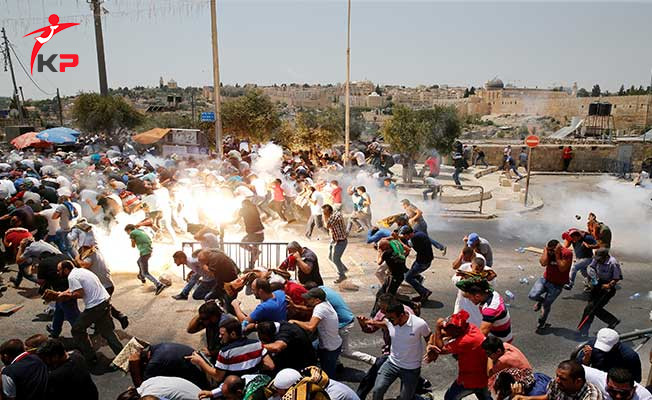 İsrail Polisi Müslümanlara Saldırdı: Çok Sayıda Yaralı Var !