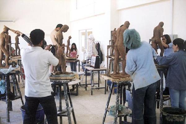 Erciyesi Üniversitesi 3 bin lira maaşla canlı model arıyor