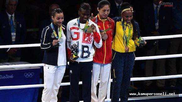 Boks'ta 3 Kategoride Altın Madalyalar Dağıtıldı