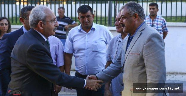 CHP Lideri Şehit Ailesine Taziye Ziyaretinde Bulundu