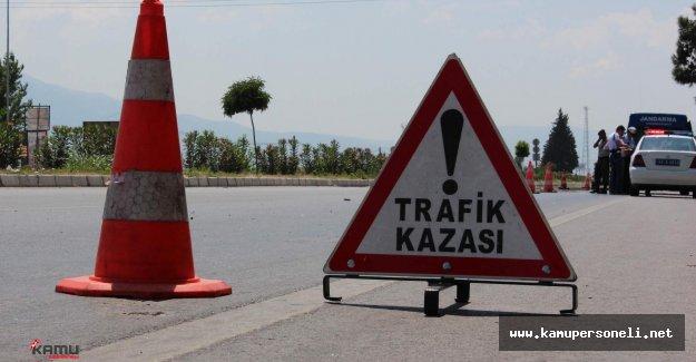 Çorum'da Korkunç Kaza, Araç İkiye Ayrıldı