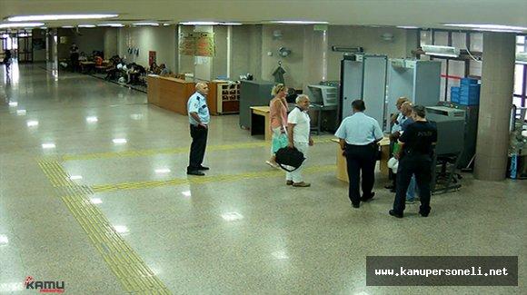 Darbeci Hakim Karasu 15 Temmuz'da İzmir Adliyesindeydi