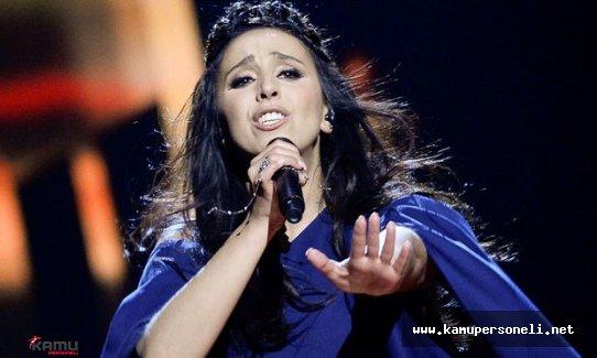 Eurovision Birincisi Kırımlı Tatar sanatçı Jamala Darbe Girişimini Kınadı