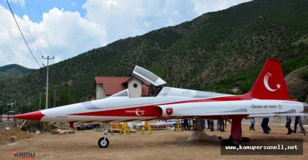 F-5 Savaş Uçağı Gümüşhane'de Sergilenek