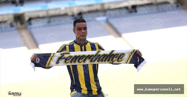 Fenerbahçe Van Der Wiel İle 4 Yıllık Anlaşma İmzaladı ( Kuyt'a Teşekkür Mesajı)