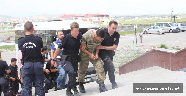 Gözaltında Olan 35 Askerden 25'i Adliye'ye Sevk Edildi