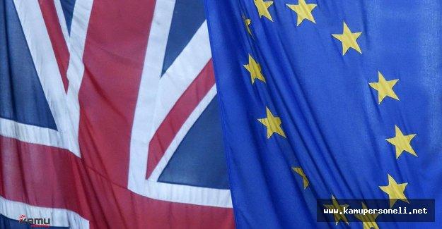 İngiltere'de Brexit Kararından Sonra  İstifalar Başladı