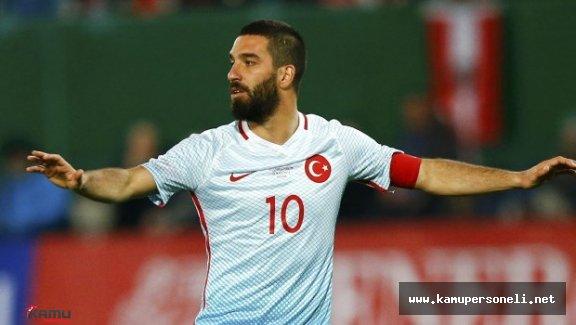 İspanya Türkiye Maçında Arda Turan Islıklandı - Arda Turan Neden Islıklandı?