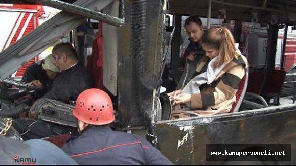 İstanbul'da Metrobüs Kaza Yaptı