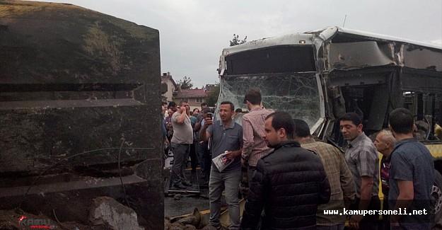İstanbul'da Metrobüs Kazası ! Kaza Nedeniyle Bazı Seferler Aksadı