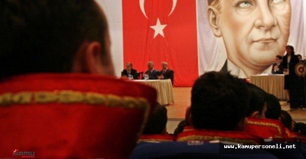 İzmir'de 104 Asker 11 Avukat Tutuklandı