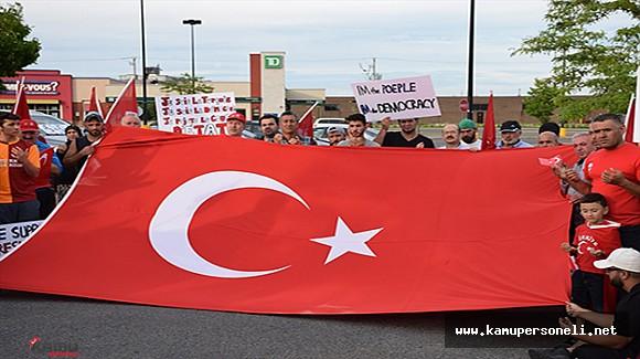 Kanada'daki Türkler FETÖ Darbe Girişimini Protesto Etti