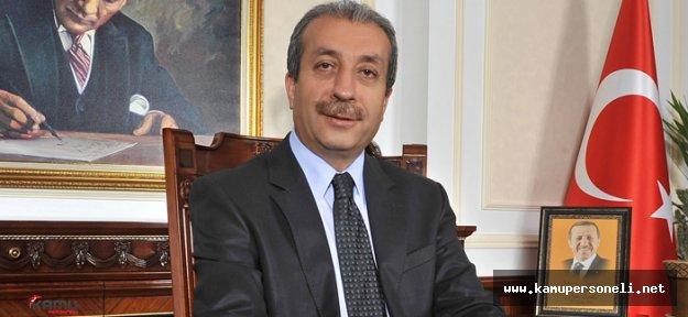 Mehmet Mehdi Eker Görevi Fatma Betül Sayan Kaya'dan Devraldı