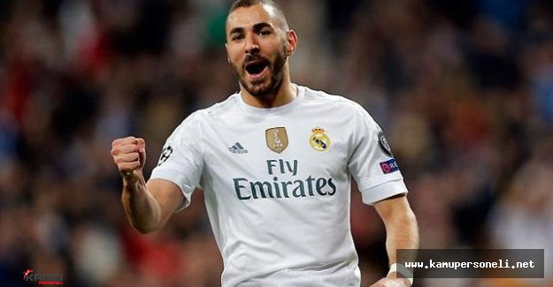 Real Madrid'in Yıldızı Benzema Umreye Gitti