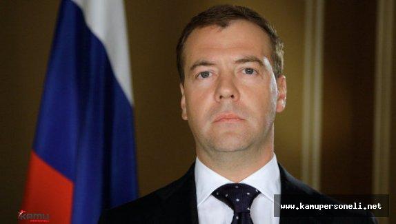Rusya Başbakanı'ndan Turizm Açıklaması
