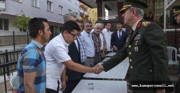 Şehit Evine Genelkurmay Başkanından Taziye Ziyareti