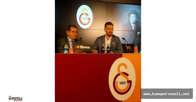 Serdar Aziz İmzayı Attı - Serdar Aziz Resmen Galatasaray'da