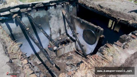 Diyarbakır'da Maytapların Düştüğü Ev Yandı: 2'si Çocuk 3 Kişi Öldü