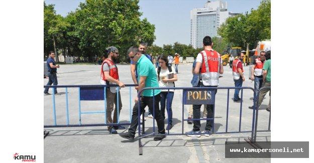 Taksim Gezi Parkı Girişleri Kapatıldı