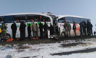 Iğdır'da İki Otobüs Çarpıştı: 6 Ölü, 20 Yaralı