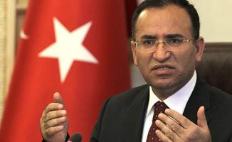 Bakan Bozdağ'dan Adil Öksüz Açıklaması: İnfaz Edilmemişse Türkiye'de Saklanıyor