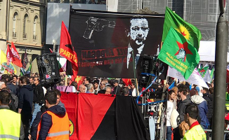 İsviçre, Cumhurbaşkanı Erdoğan'ı Hedef Gösteren Pankart İçin Soruşturma Başlattı