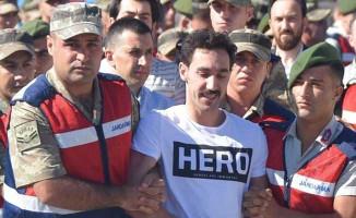 'Hero' Yazılı Tişörtü Neden Giydiği Ortaya Çıktı