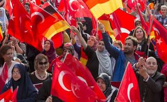 Almanya'da Yaşayan Türkler, Cumhurbaşkanı Erdoğan'ın 'Oy' Çağrısına Yanıt Verdi