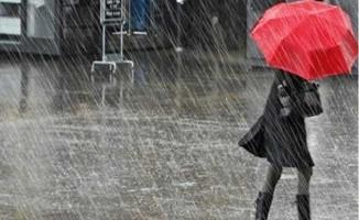 Meteoroloji'den İstanbul İçin Sağanak Yağış Uyarısı ! Uzmanlar Saat Verdiler
