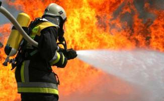 Son Dakika ! Halkalı'da Karton Fabrikasında Yangın