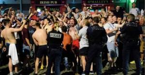 EURO 2016 Düdük Sesi İle Değil Kavga İle Başladı
