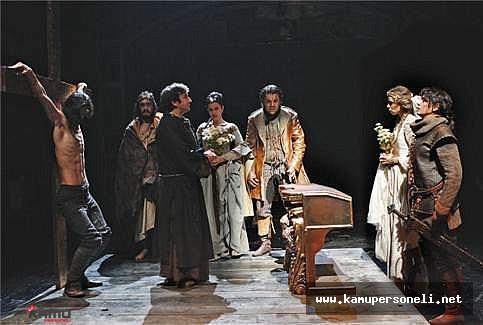 İstanbul Devlet Tiyatrosu Yaz Oyunları Başlıyor