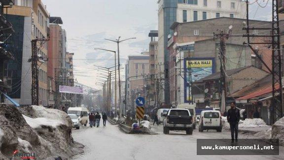 Yüksekova'da Evine Dönecek Vatandaşlar İçin Otobüs Firmaları Ek Sefer Düzenliyor