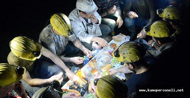 Zonguldak Maden Ocaklarındaki İşçiler İlk Sahurlarını Yaptı