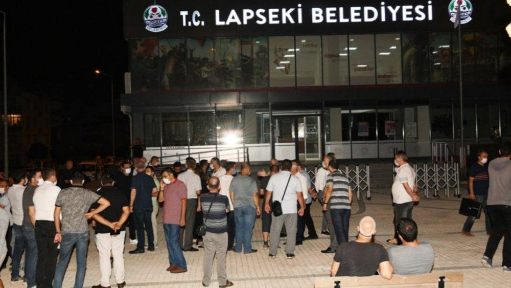 Belediyeye silahla saldırı düzenlendi! Saldırıyı düzenleyen kişi Belediye Başkanı arayarak özür diledi!
