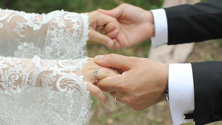 80 yaşındaki koronavirüs hastası kadın, 72 saatte 5 düğün gezdi!