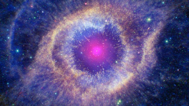 NASA Dünya'ya doğru yönelen bir galaksinin görüntülerini paylaştı!