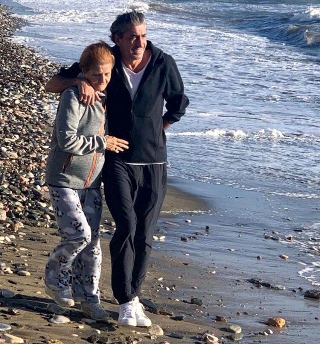 Acı haber akşam saatlerinde geldi! Erkan Petekkaya annesini kaybetti!